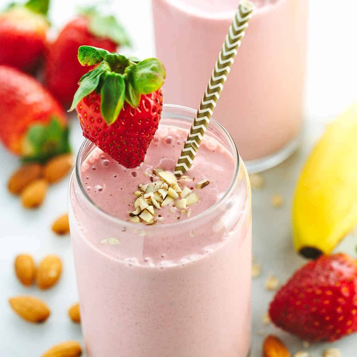 healthy-fruit-smoothie-recipe-with-strawberry-and-banana-1200